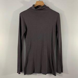 Lilla P . Turtle Neck Long Sleeve Shirt . S